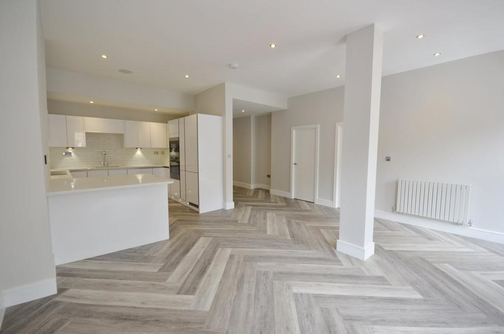2 Bedrooms Apartment Flat for sale in The Downs, Altrincham