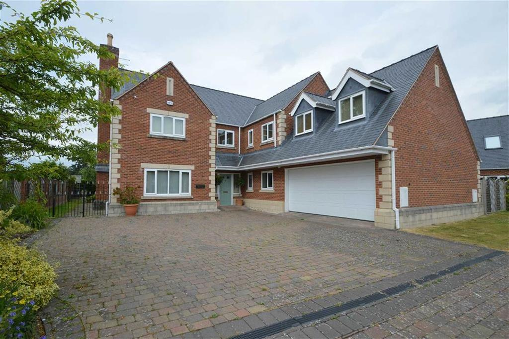 5 Bedrooms Detached House for sale in Refail Parc, Berriew