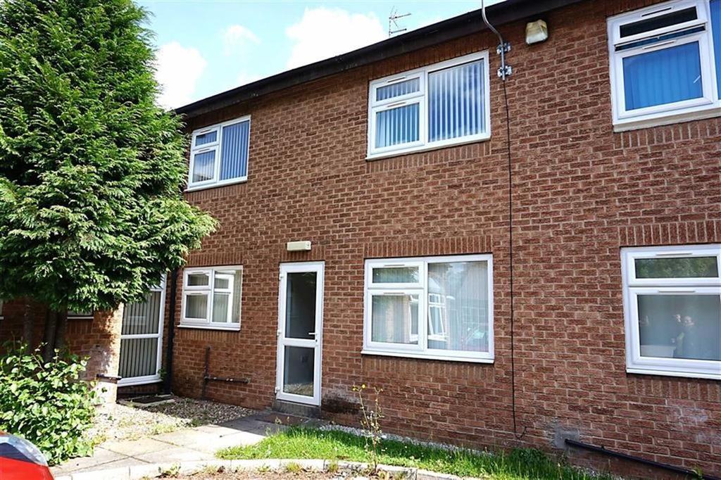 2 Bedrooms Maisonette Flat for sale in St Lukes Court, Willerby, Willerby, HU10