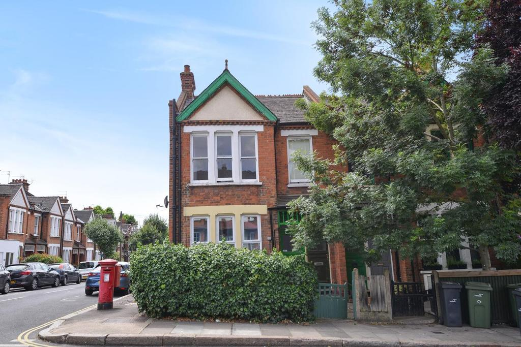 3 Bedrooms Maisonette Flat for sale in Herne Hill Road, Herne Hill