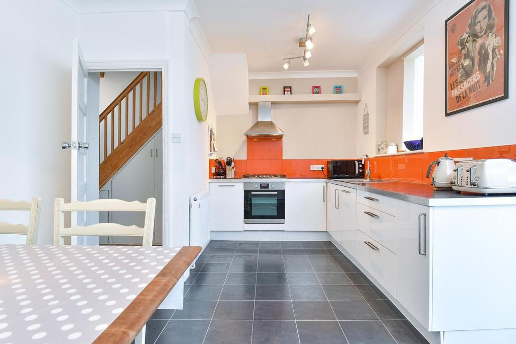 3 Bedrooms Terraced House for sale in Cliffview Road, Lewisham, SE13