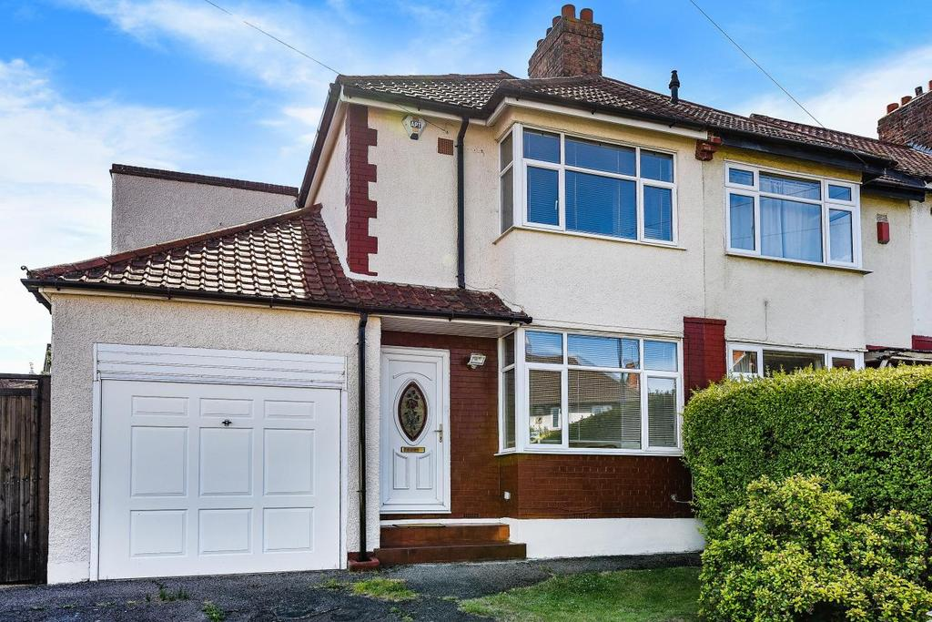 3 Bedrooms Semi Detached House for sale in Marvels Lane, Grove Park, SE12