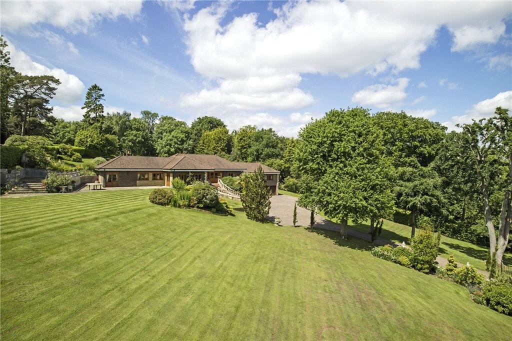 5 Bedrooms Detached House for sale in Lunghurst Road, Woldingham, Caterham, Surrey, CR3