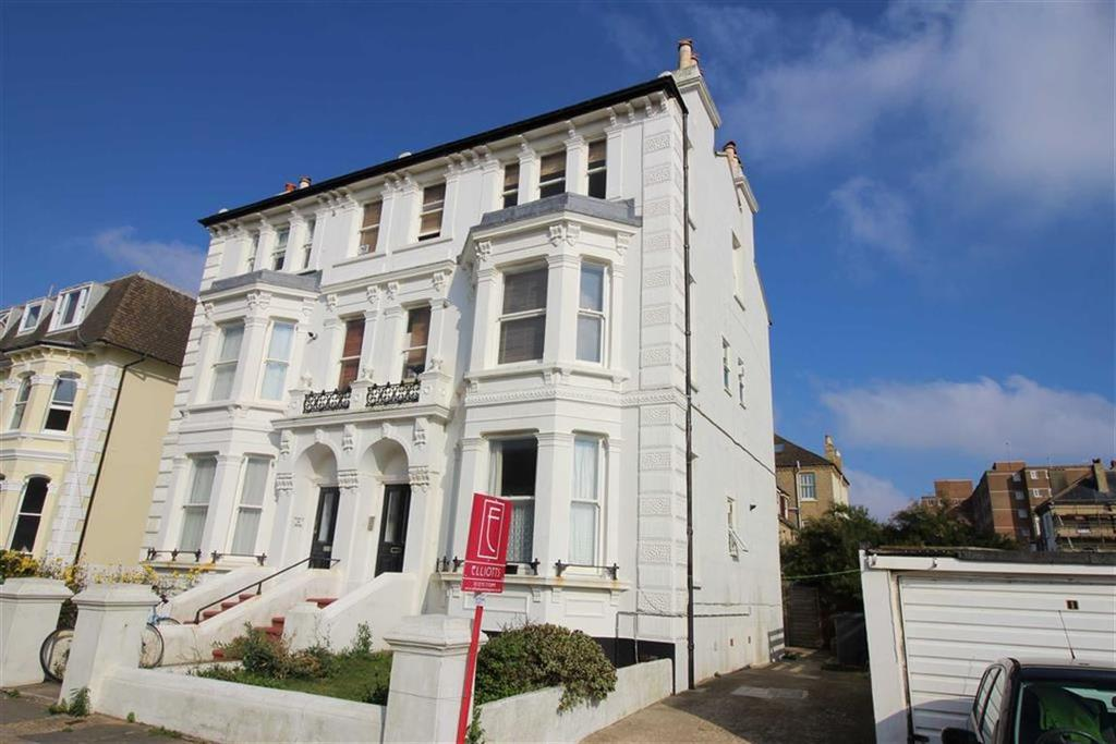 2 Bedrooms Apartment Flat for sale in Sackville Gardens, Hove, East Sussex