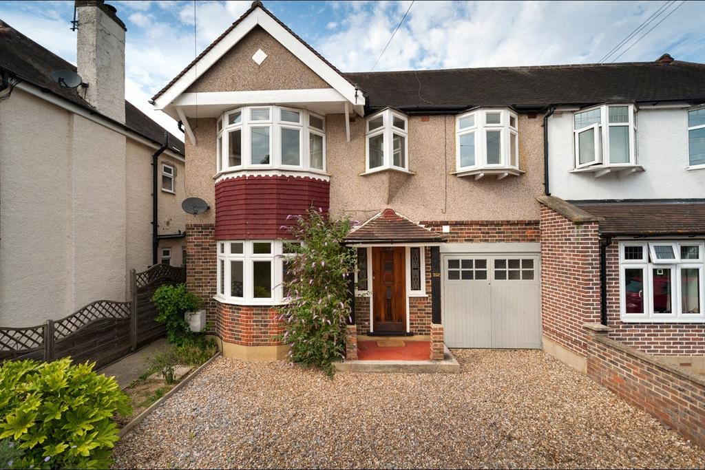 4 Bedrooms Semi Detached House for sale in Oldfield Road, Hampton, TW12