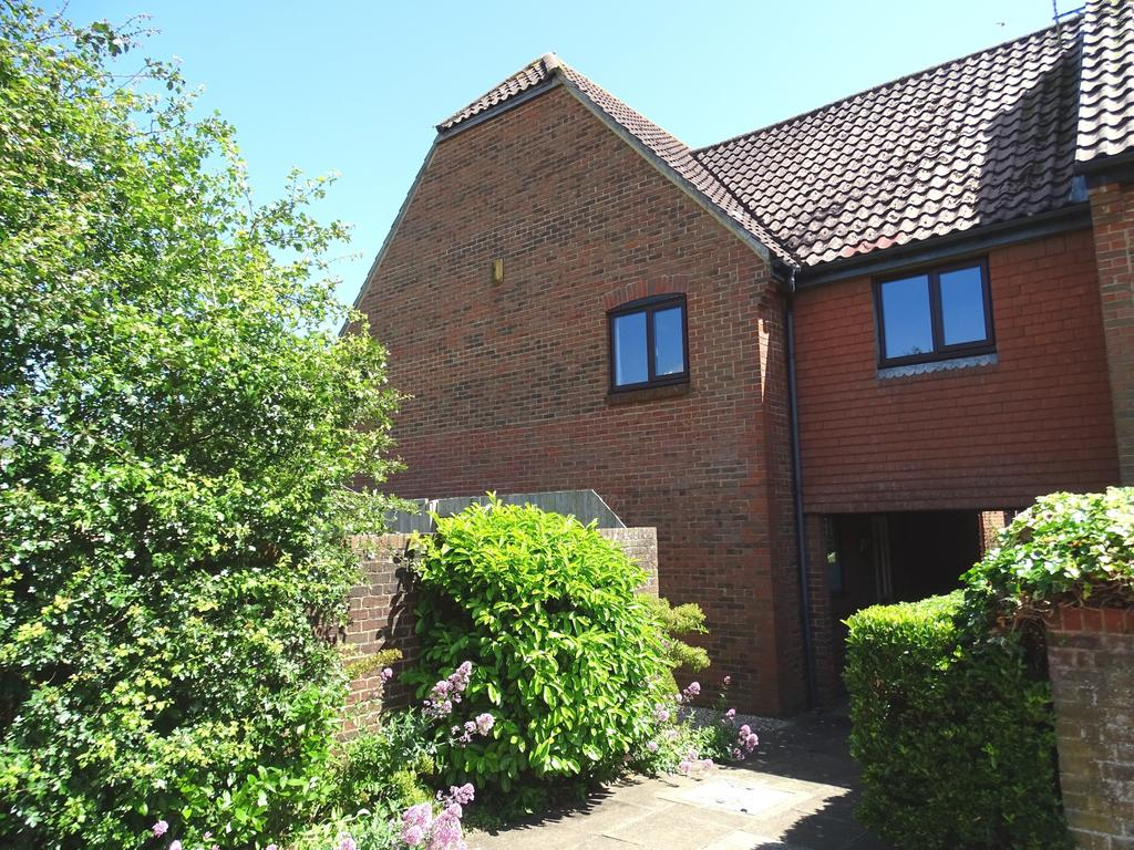 3 Bedrooms Mews House for sale in Bishopsgate Walk, Chichester