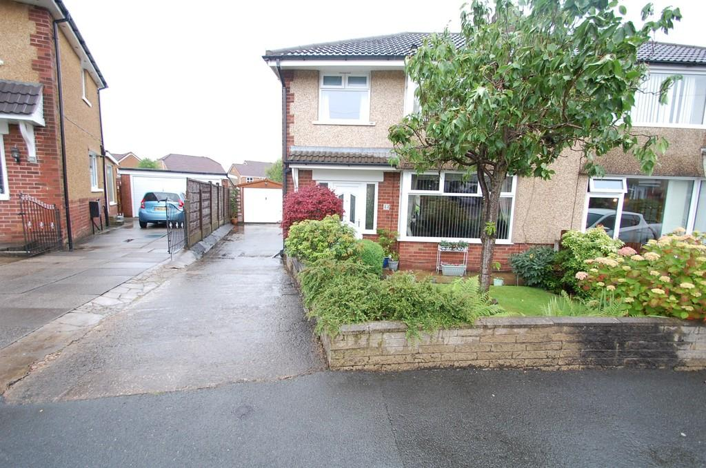 3 Bedrooms Semi Detached House for sale in Langdale Road, Feniscowles, Blackburn