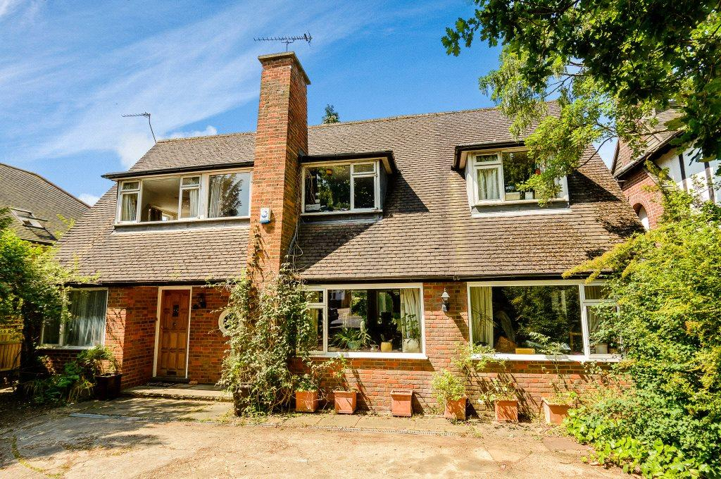 5 Bedrooms Detached House for sale in Beaumont Avenue, St. Albans, Hertfordshire