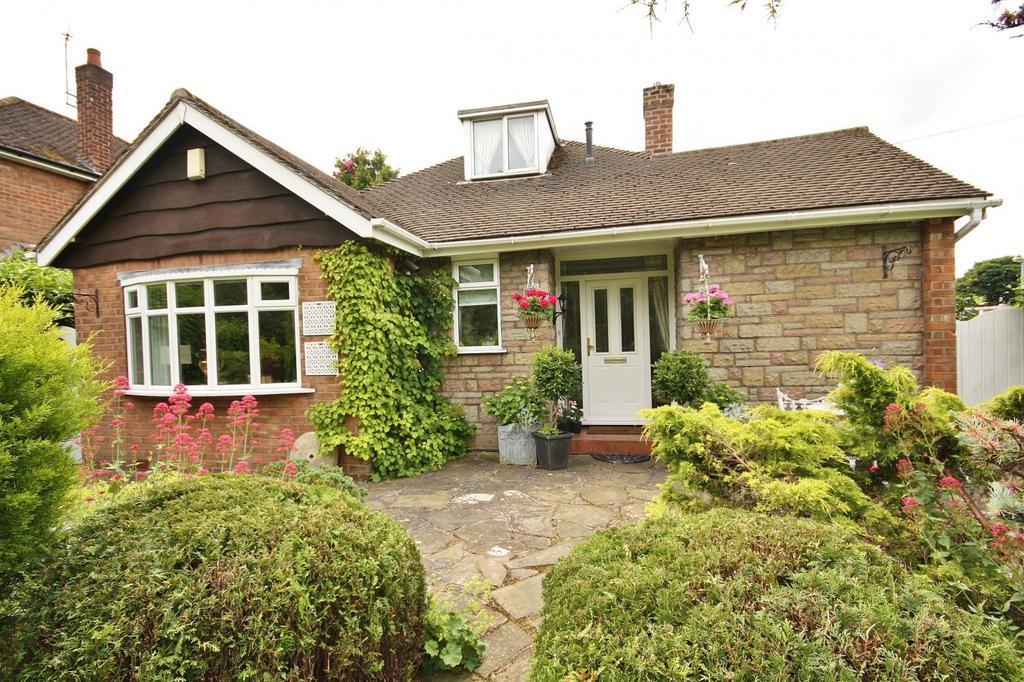 3 Bedrooms Bungalow for sale in Stanneylands Road, Wilmslow