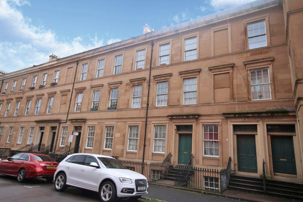 3 Bedrooms Ground Flat for sale in B/1, 5 Baliol Street, Woodlands, Glasgow, G3 6UT