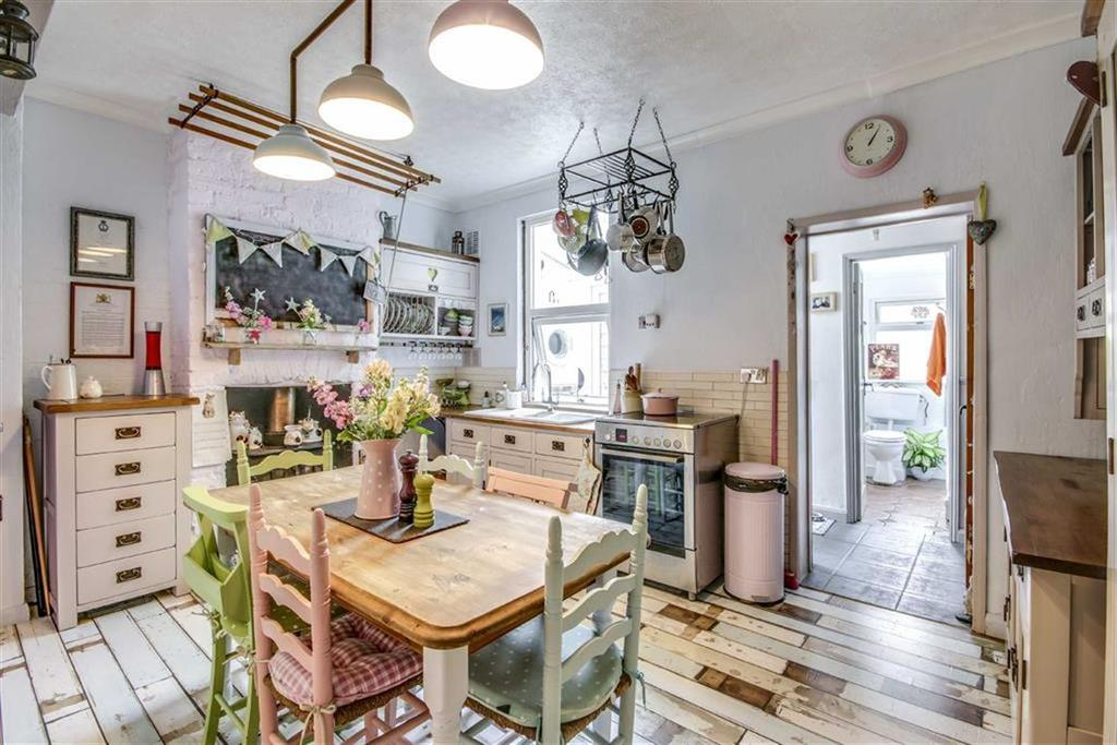 2 Bedrooms Terraced House for sale in Elphick Road, Newhaven