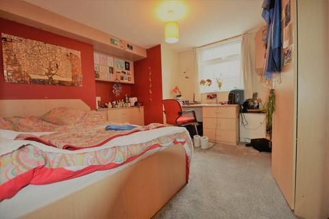 1 bedroom flat to rent - Brudenell Road