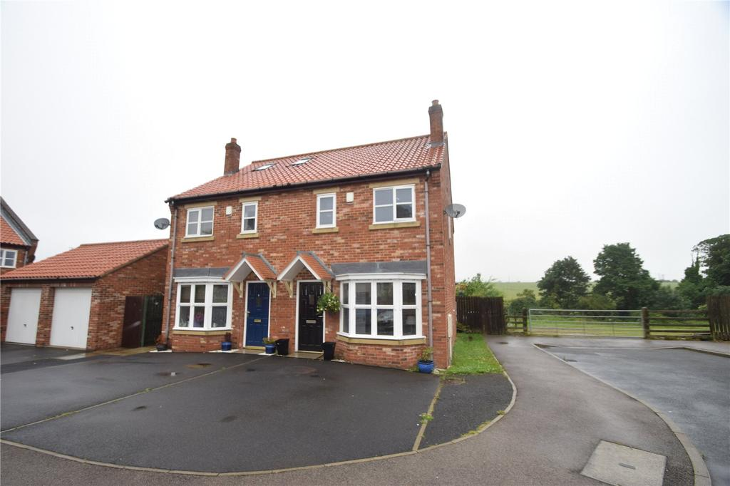 3 Bedrooms Semi Detached House for sale in The Paddocks, Hawthorn Village, Seaham, Co. Durham, SR7