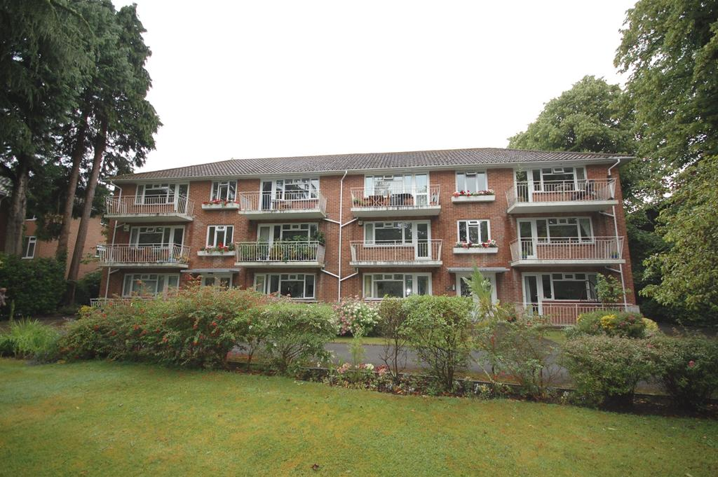 2 Bedrooms Apartment Flat for sale in Portarlington Court, 15 Portarlington Road, Bournemouth BH4