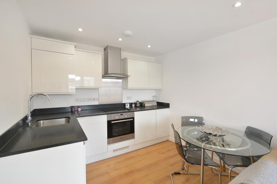 1 Bedroom Apartment Flat for sale in Hewison St, Bow, E3
