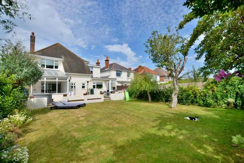 4 bedroom detached house for sale - Lulworth Avenue, Poole