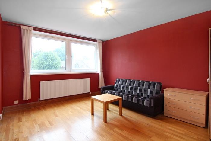 1 Bedroom Flat for sale in Medfield Street, London