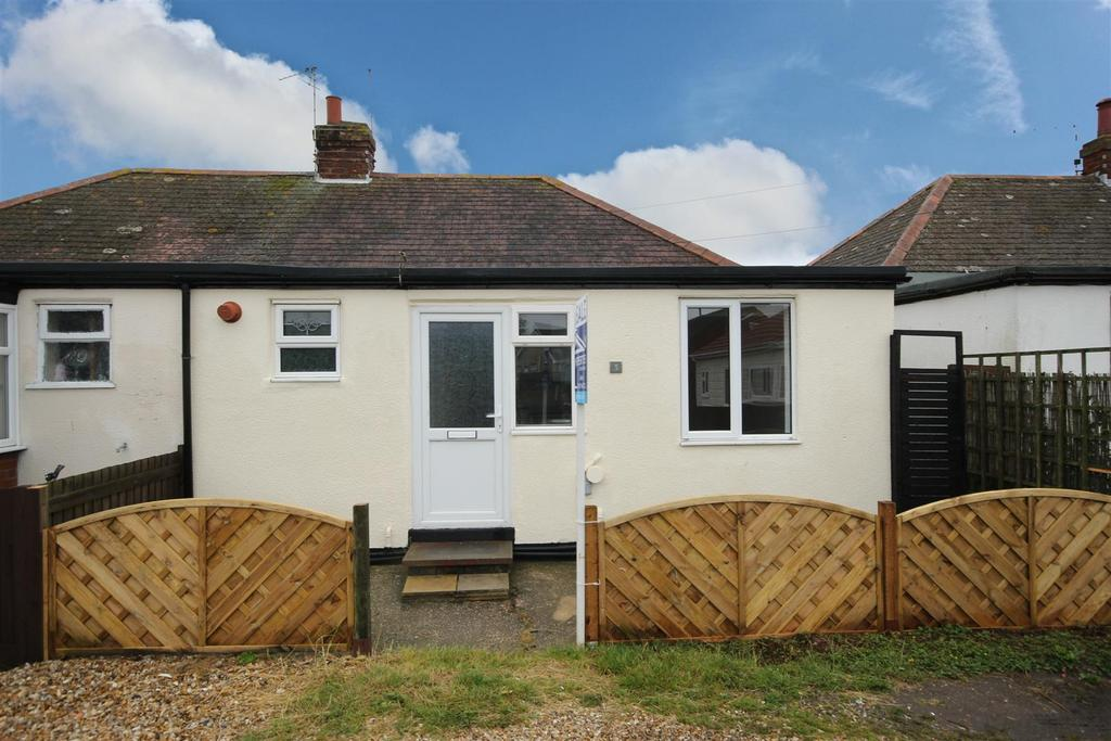 2 Bedrooms Semi Detached Bungalow for sale in 3 The Laurels, George Street, Mablethorpe
