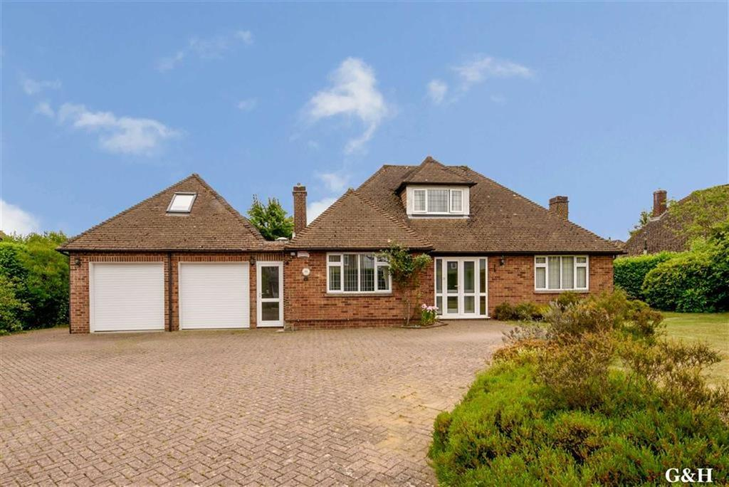 5 Bedrooms Detached Bungalow for sale in Sandyhurst Lane, Ashford, Kent