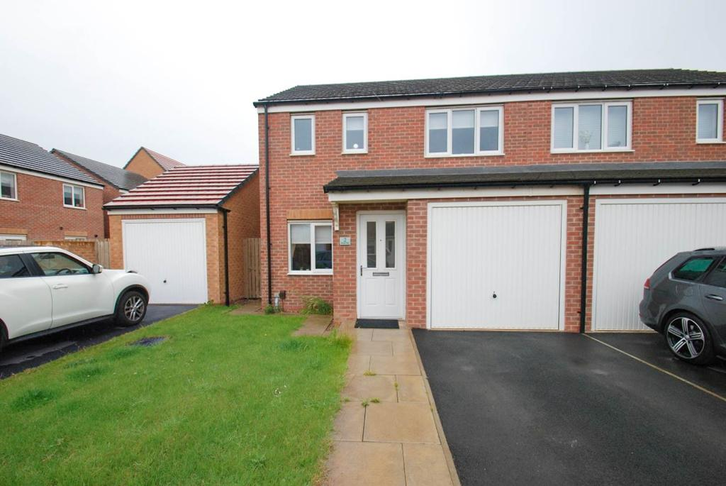 3 Bedrooms Semi Detached House for sale in Bronte Way, South Shields