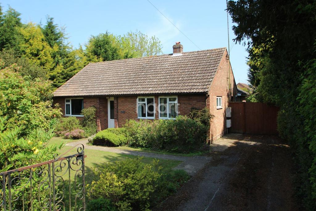 3 Bedrooms Bungalow for sale in Violet Hill Road, Stowmarket