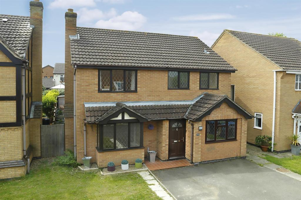 4 Bedrooms Detached House for sale in Burghley Close, Market Harborough
