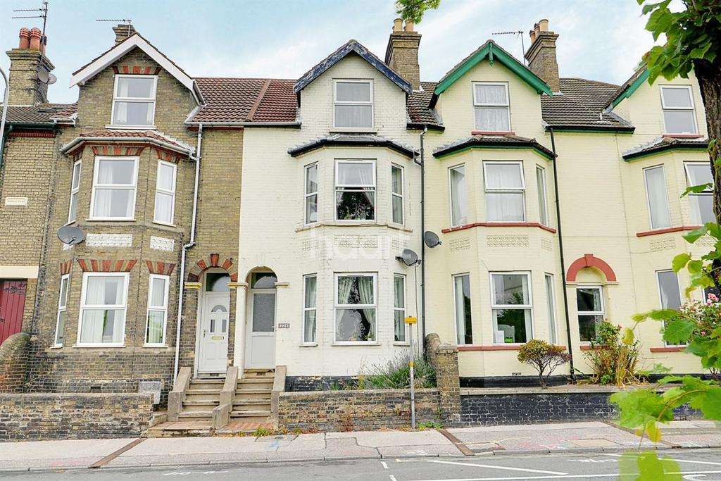6 Bedrooms Terraced House for sale in Denmark Road, Lowestoft