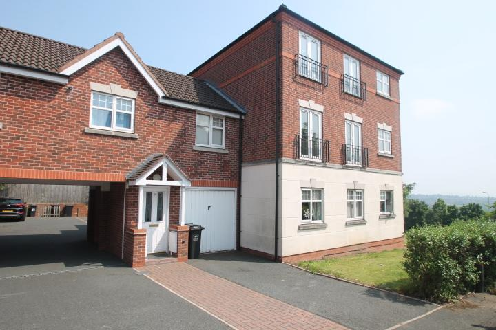 2 Bedrooms Apartment Flat for sale in Manderston Close, Dudley, DY1