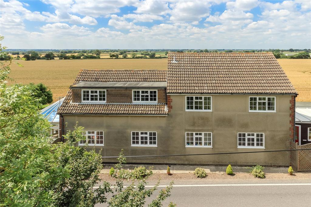 5 Bedrooms Detached House for sale in Chignal Smealey, Chelmsford, CM1
