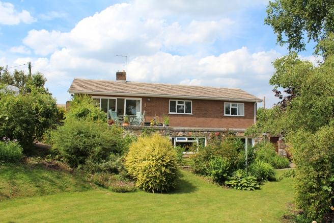 5 Bedrooms Detached House for sale in 78 Limekiln Lane, Lilleshall, Newport, Shropshire, TF10 9EX