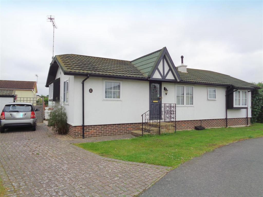 2 Bedrooms Park Home Mobile Home for sale in Mill View Close, Nyetimber