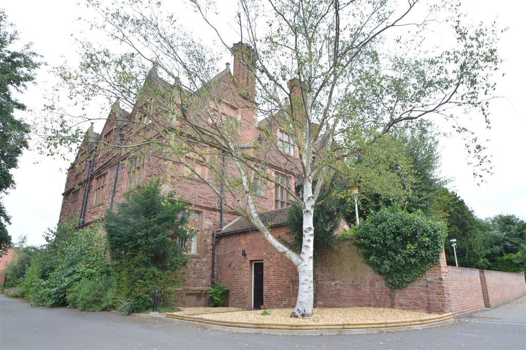 2 Bedrooms Apartment Flat for sale in 8 Whitehall Mansions, Monkmoor, Shrewsbury, SY2 5AP