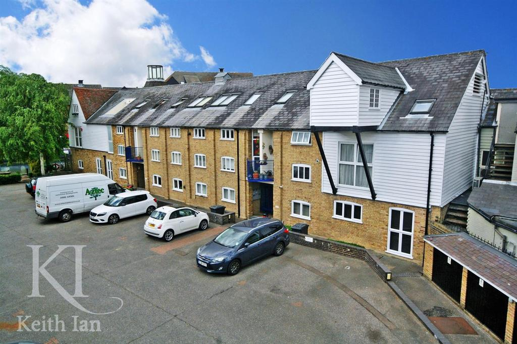 2 Bedrooms Apartment Flat for sale in Omega Maltings, Ware - Available fully furnished!