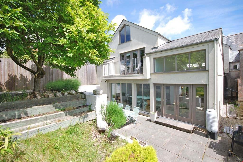 6 Bedrooms Terraced House for sale in Lostwithiel, South East Cornwall, PL22