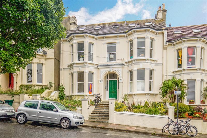 2 Bedrooms Flat for sale in Evelyn Terrace, Brighton