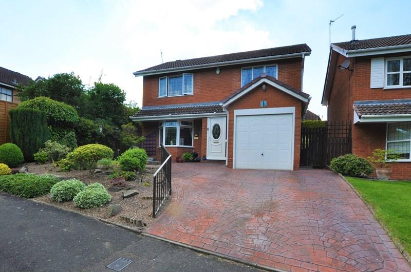 4 Bedrooms Detached House for sale in Cheviot Way, Halesowen