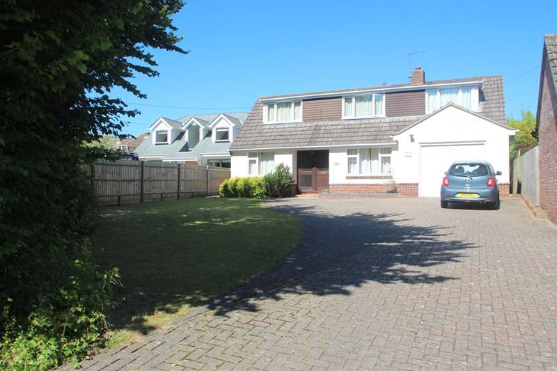 4 Bedrooms Detached House for sale in Satchell Lane, Southampton