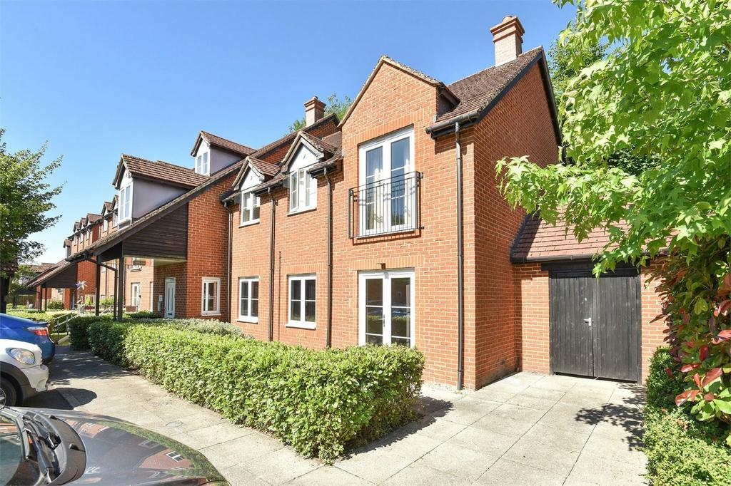 2 Bedrooms Flat for sale in Compton, Winchester, Hampshire
