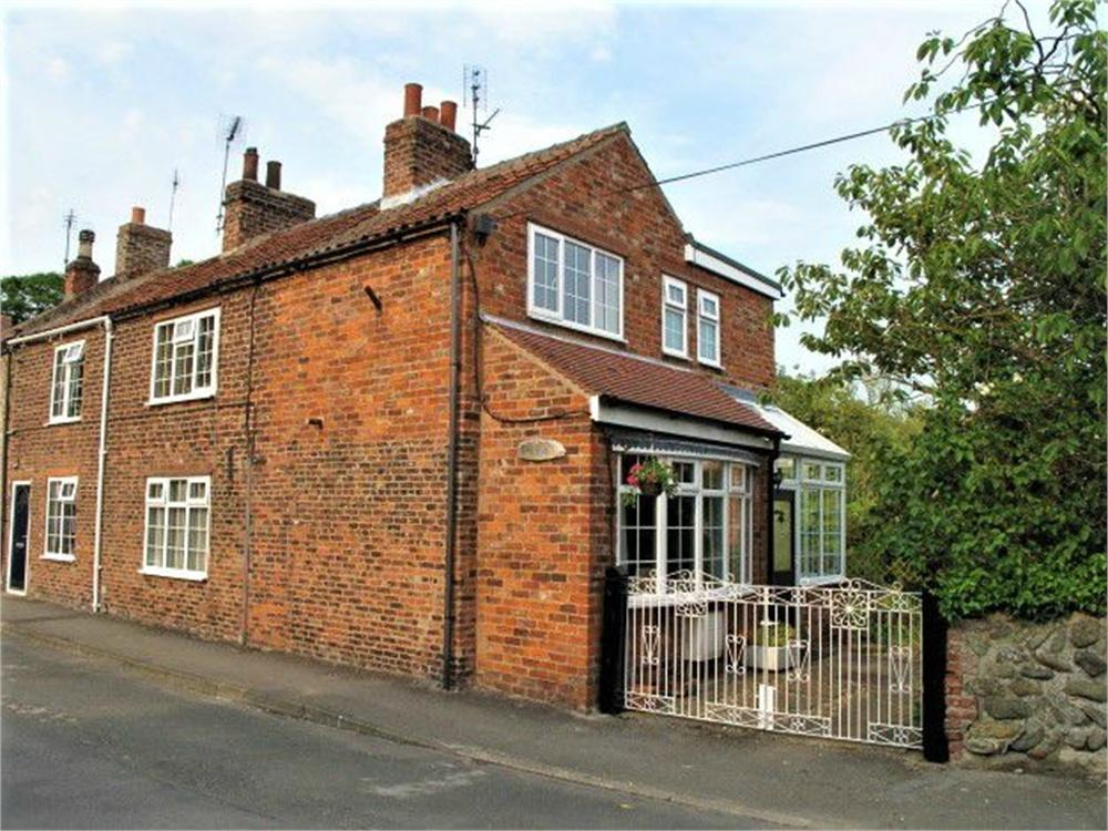 3 Bedrooms Cottage House for sale in High Street, Easington, Hull, East Riding of Yorkshire