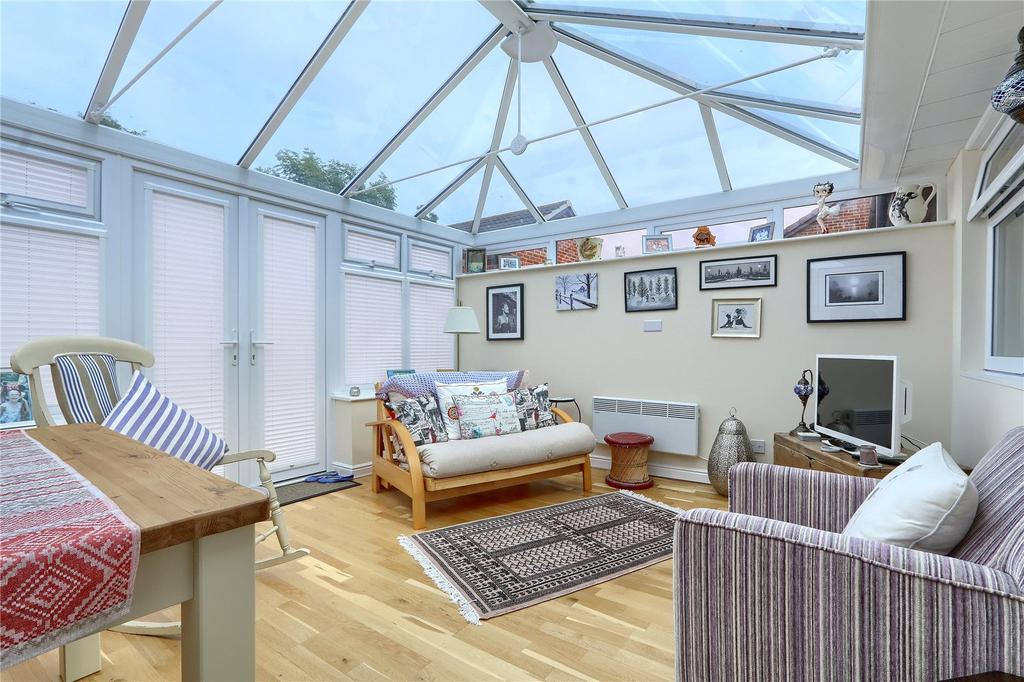 2 Bedrooms Semi Detached Bungalow for sale in Weymouth Avenue, Marton