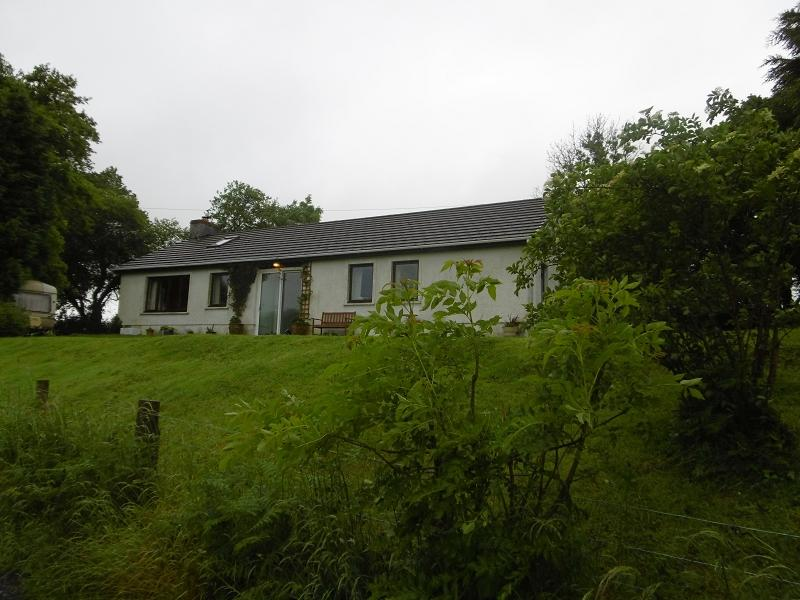 3 Bedrooms Detached Bungalow for sale in Ffairfach, Llandeilo, Carmarthenshire.