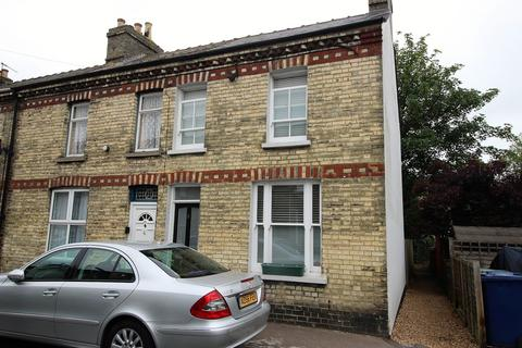 2 bedroom end of terrace house to rent - Charles Street, Cambridge