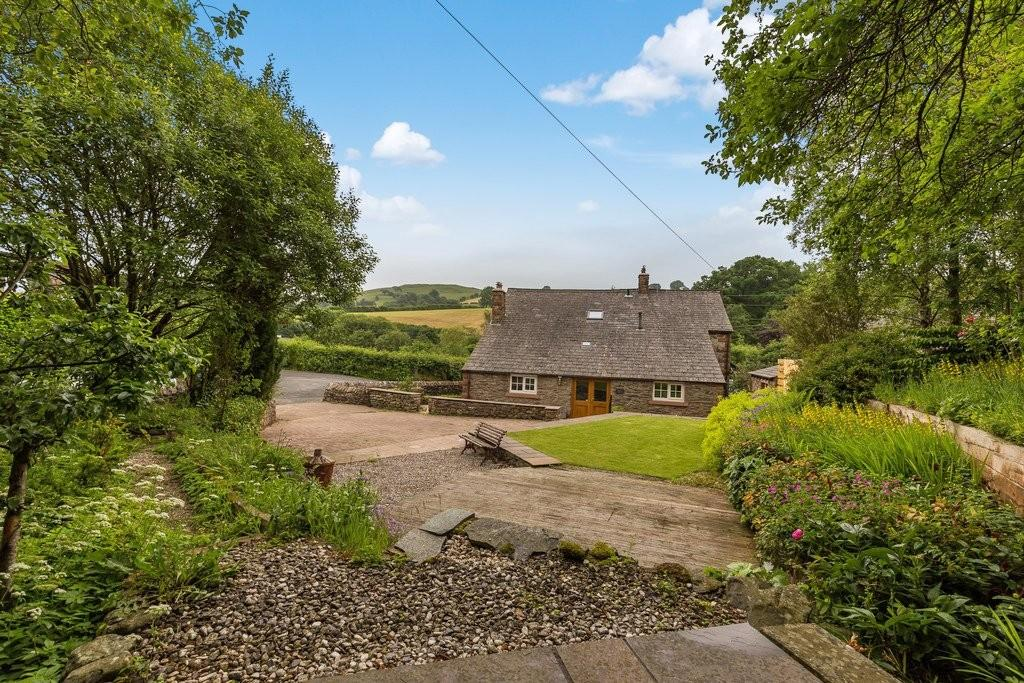 4 Bedrooms Detached House for sale in Chapel Cottage, Beckfoot, Lowgill, LA8 0BL