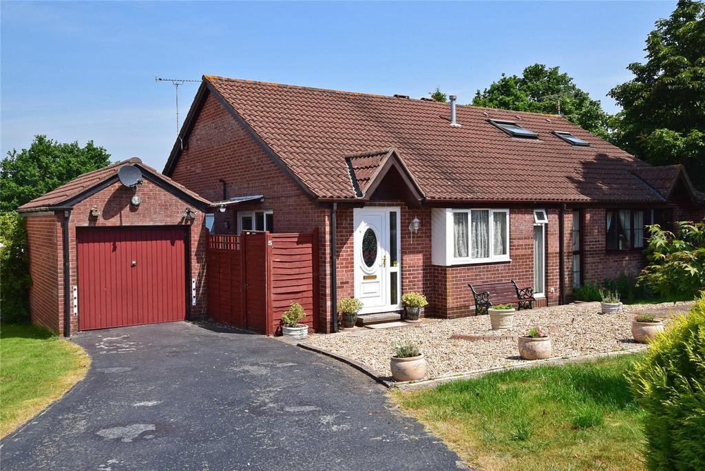 2 Bedrooms Semi Detached Bungalow for sale in Ferndale Close, Honiton, Devon