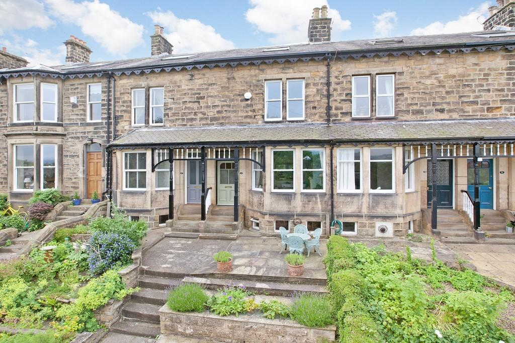 4 Bedrooms Terraced House for sale in Chevin Terrace, Otley