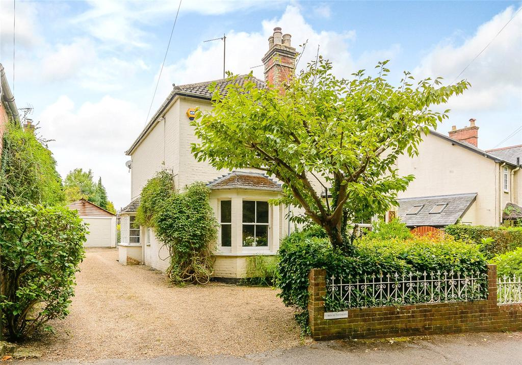 3 Bedrooms Semi Detached House for sale in Beech Cottages, Pound Lane, Windlesham, Surrey