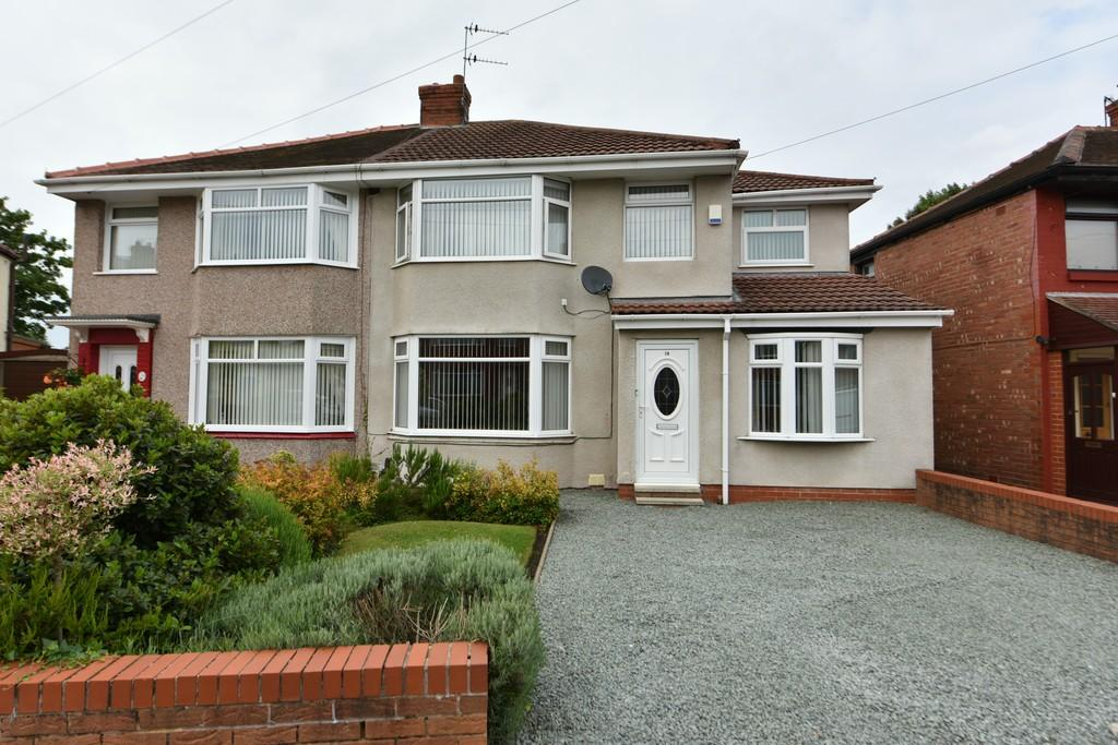 4 Bedrooms Semi Detached House for sale in Wills Avenue, Maghull