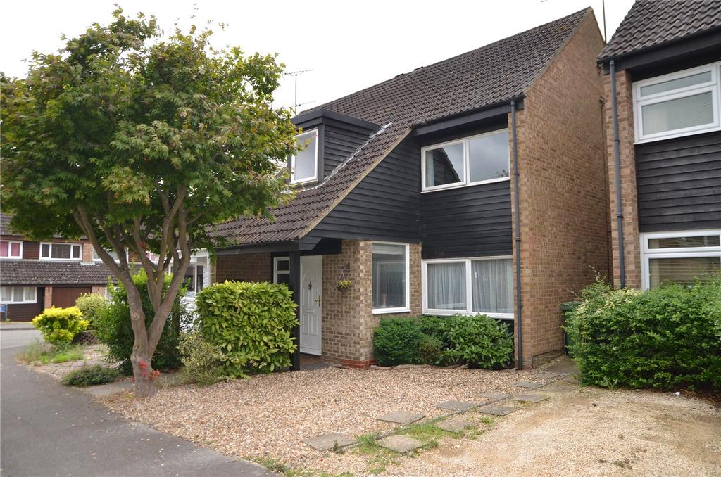 3 Bedrooms Semi Detached House for sale in Calcot Place Drive, Fords Farm, Calcot, Reading, RG31