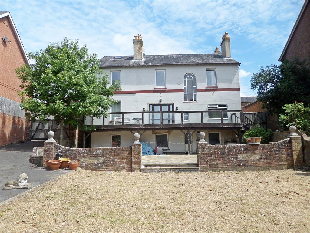 5 Bedrooms Detached House for sale in Victoria Road, Netley Abbey, Southampton, SO31 5DE