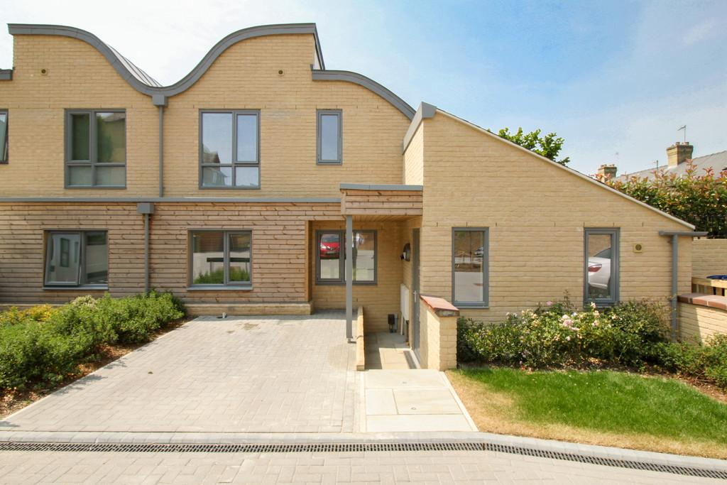 3 Bedrooms Semi Detached House for sale in Auckland Road, Cambridge